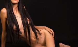 PamelaWild_ naked before webcam in live video chat